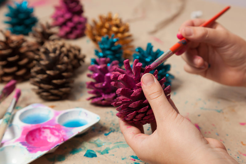 How to paint pine cones