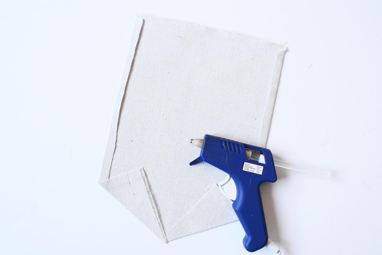 hot glue wall hanging