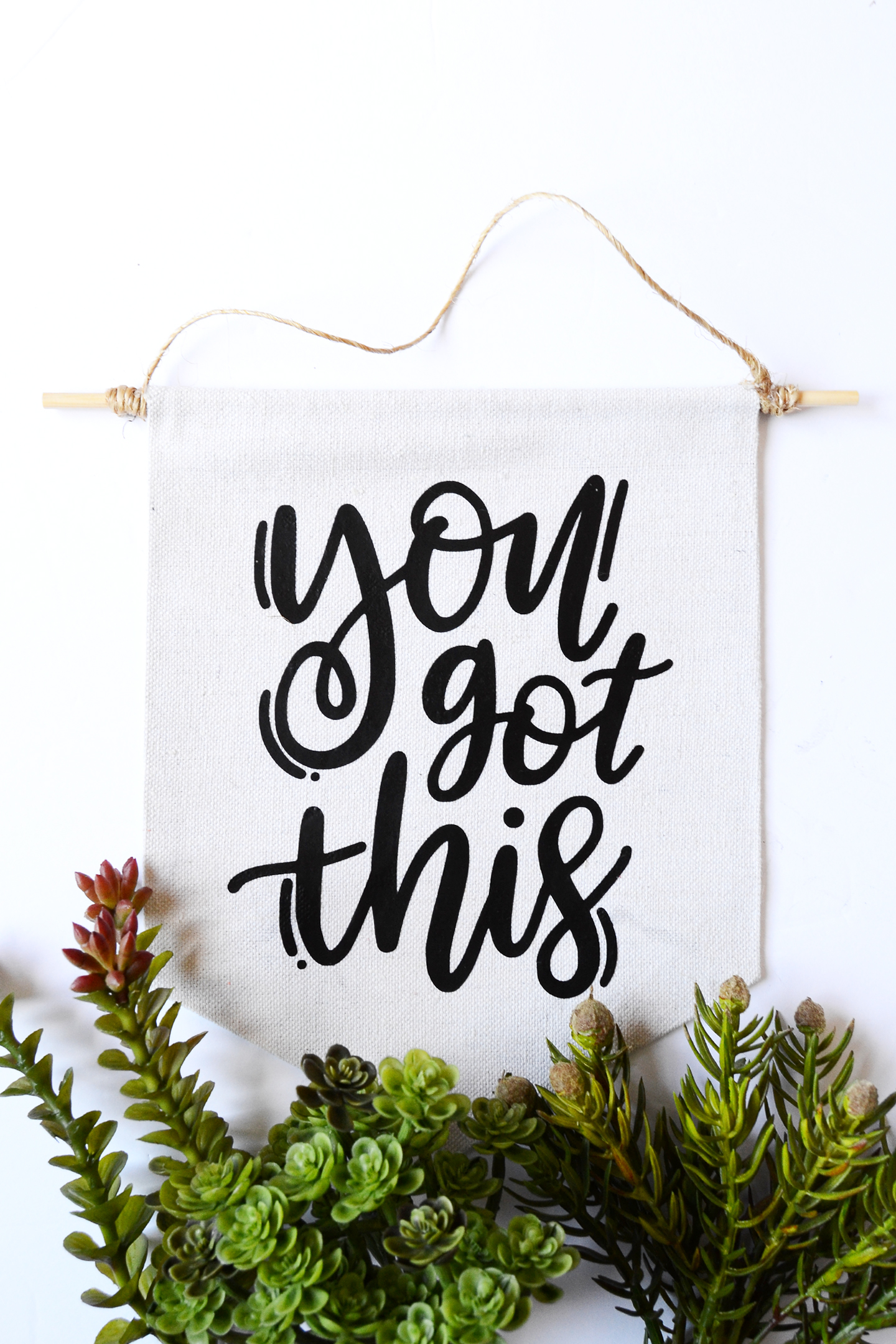 "You can do it! This mini wall hanging is a cute no sew project - a ""You Got This"" message reminds you to keep going even when times are tough."