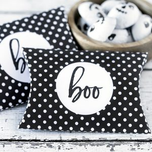 Free Halloween Printables: Boo Pillow Box
