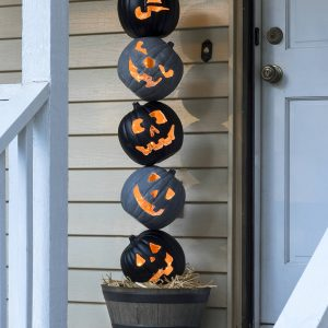 Lighted Halloween Topiary