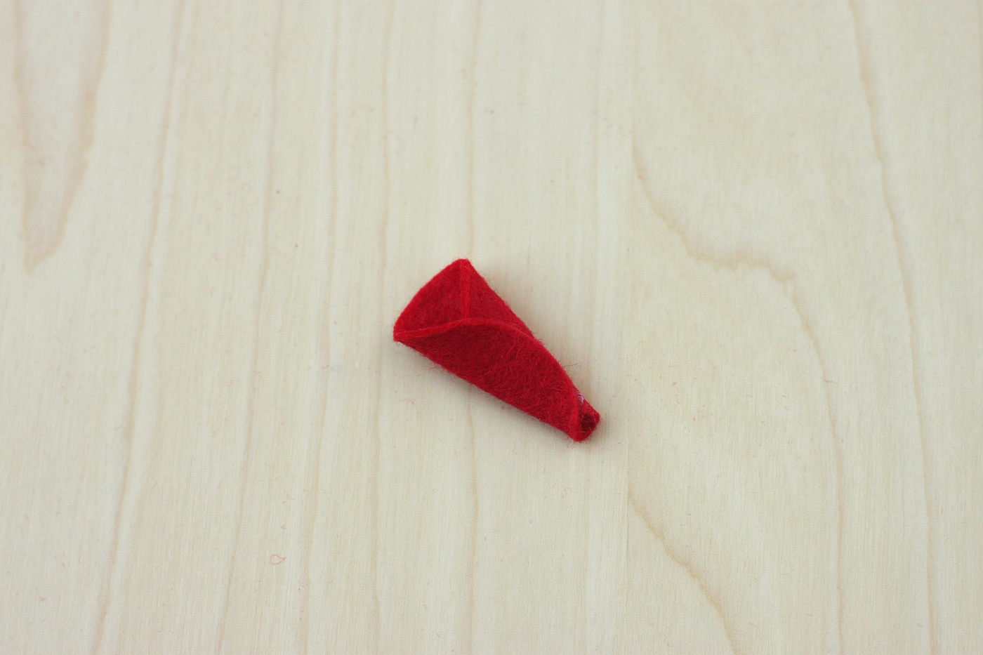 felt-poinsettia-ornament-04