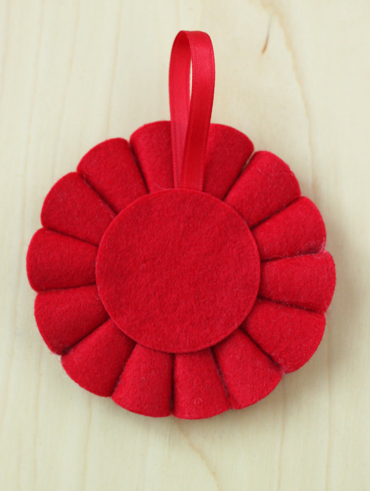 felt-poinsettia-ornament-09