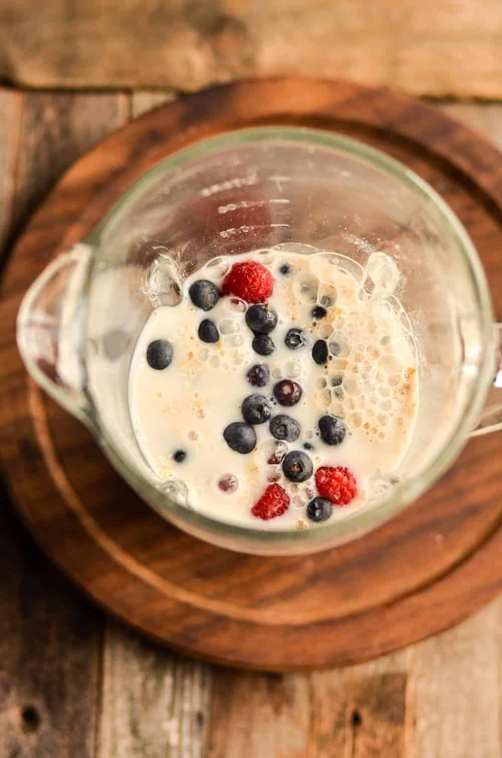 Oatmeal yogurt smoothie in a blender