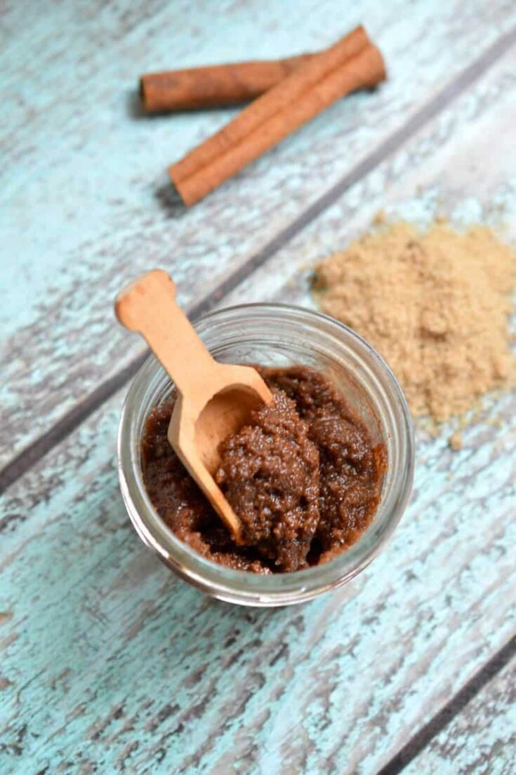 This cinnamon sugar hand scrub recipe smells like delicious baked goods! Make your hands soft and is perfect for a gift idea. So easy!