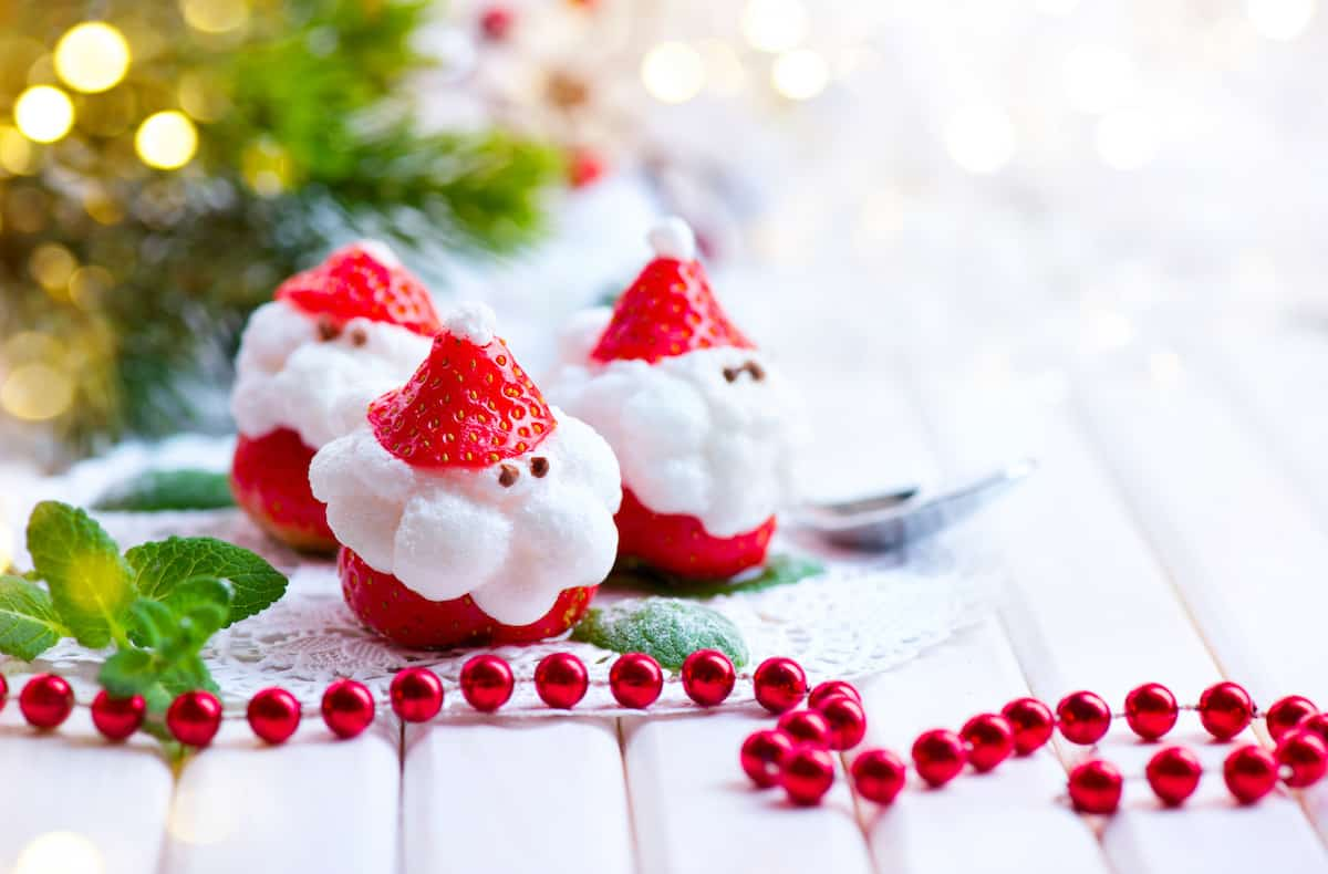 strawberry and marshmallow santas