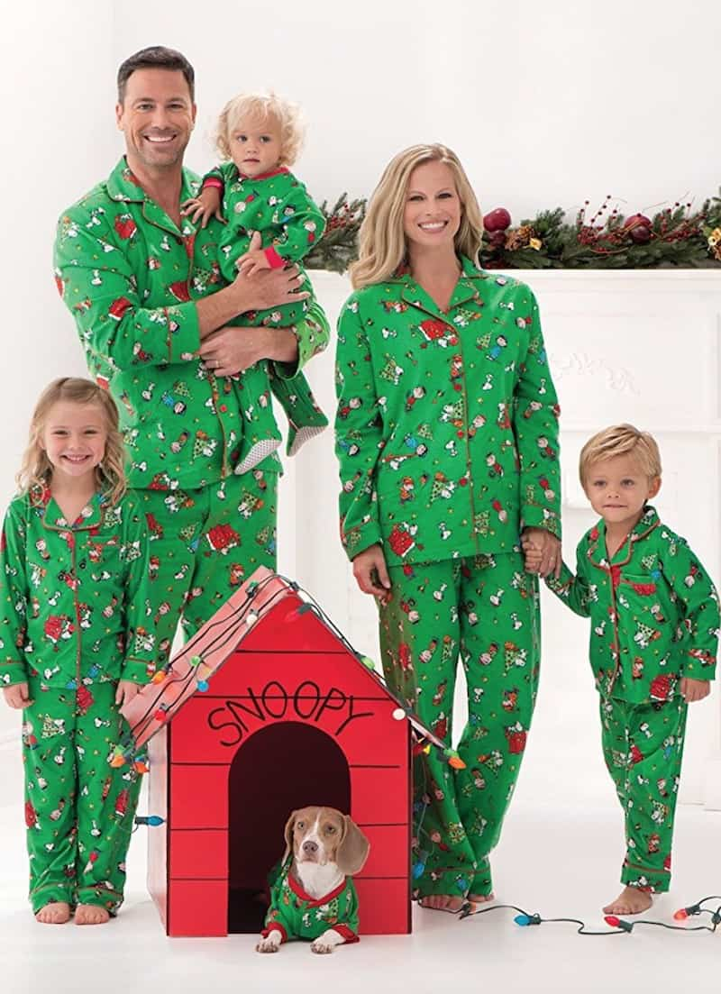 15 of the best matching family christmas pajamas diy candy. Black Bedroom Furniture Sets. Home Design Ideas