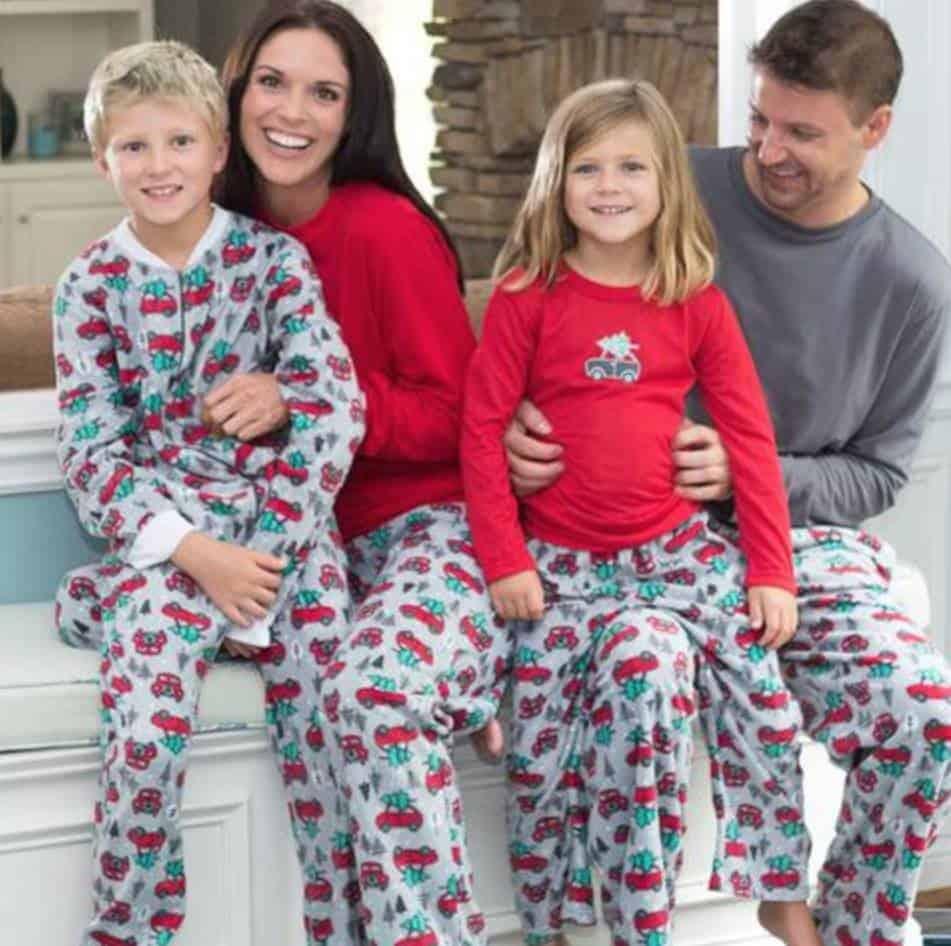 cute family christmas pajamas