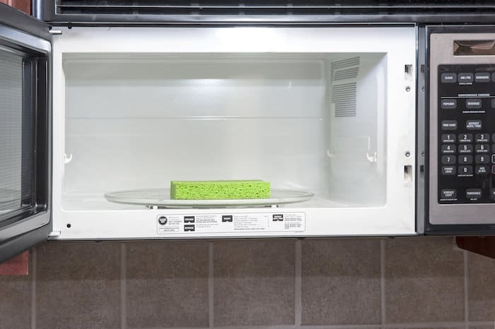 How to Clean Sponges in the Microwave