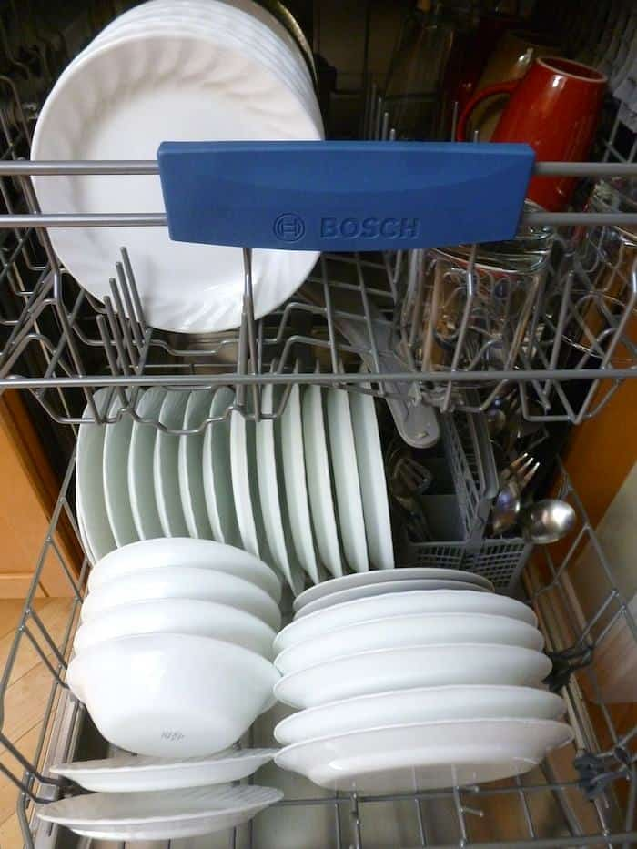 Best Way to Clean a Dishwasher