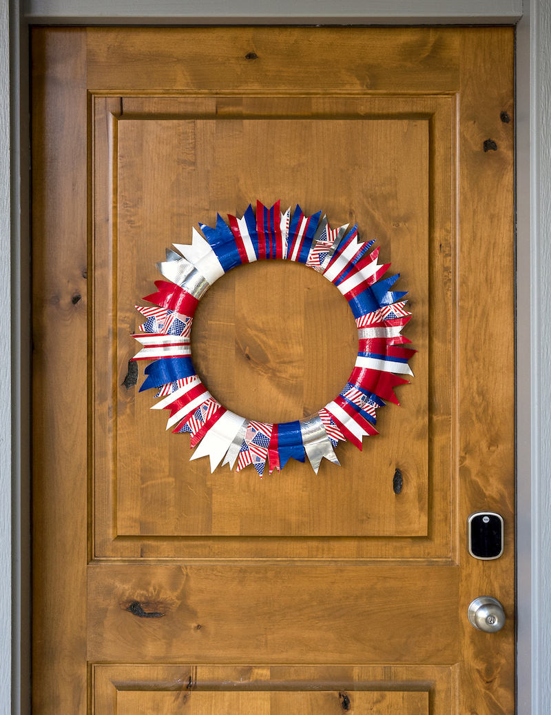 Duck Tape 4th of July Wreath 01