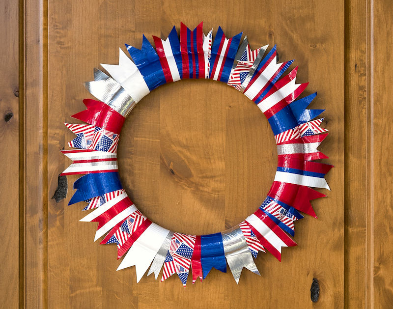 Easy 4th of July Wreath with Duck Tape