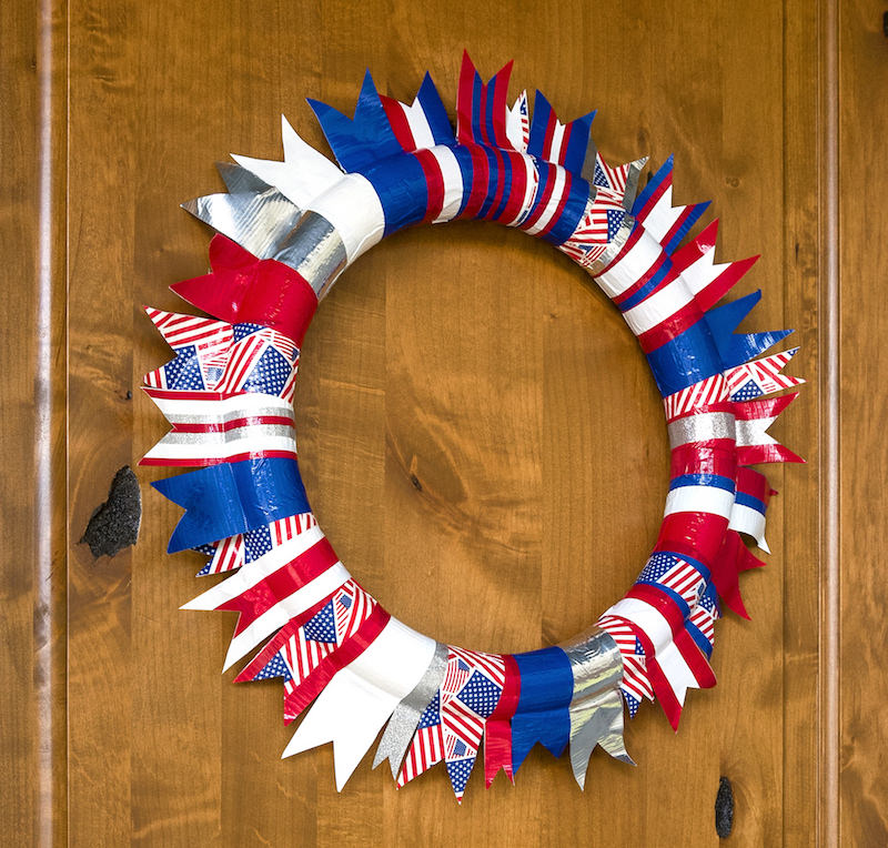 Easy Fourth of July Wreath with Duck Tape