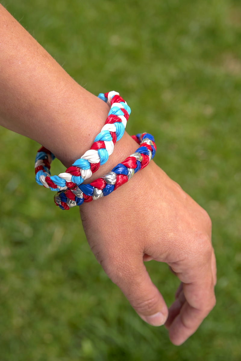How to make Duck Tape bracelets