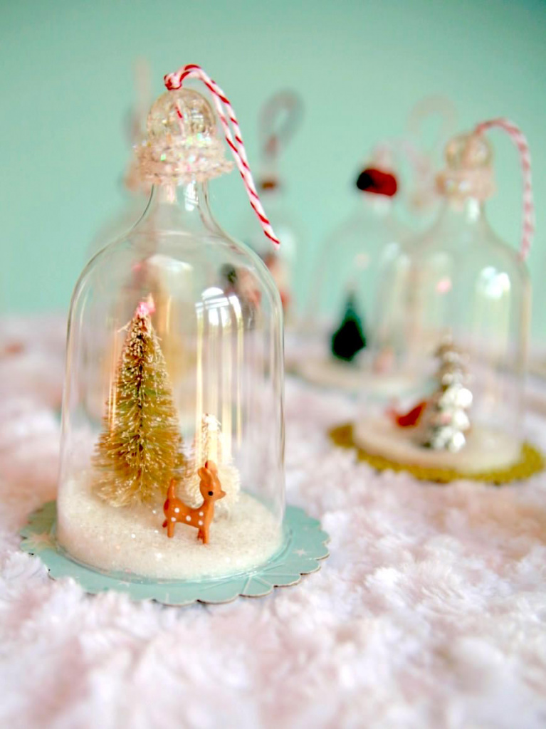 Plastic wine glass snow globes