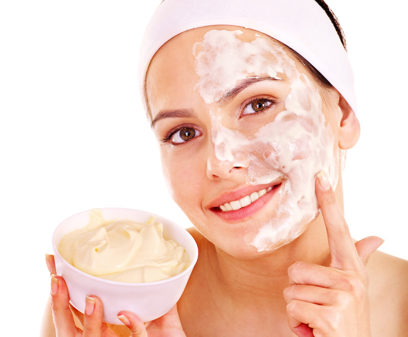 Beauty Hacks: Use Baking Soda, Sugar, or Salt as an Exfoliator