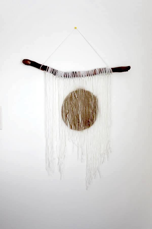 how to make a yarn wall hanging decor