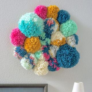 pom-pom-wall-decor