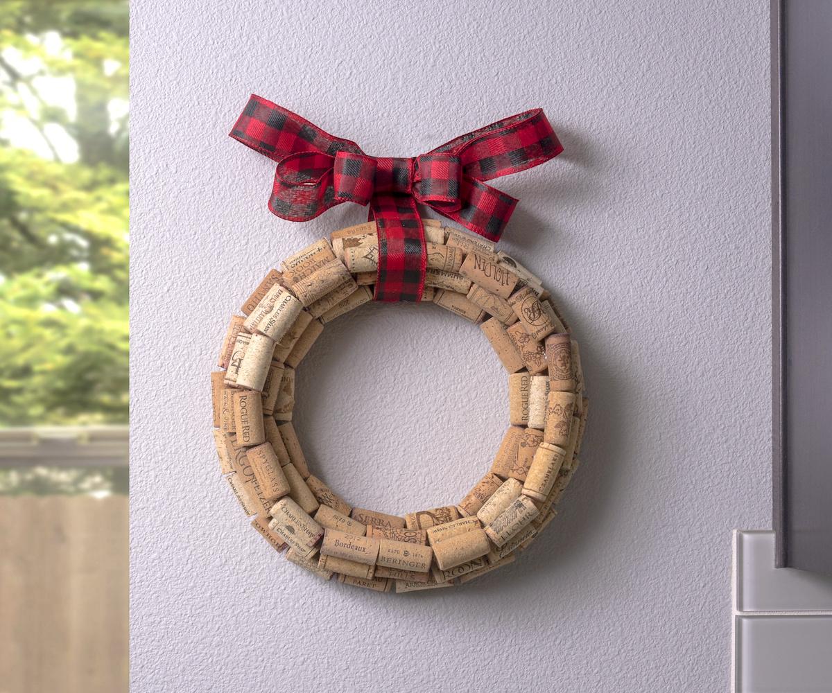Cork wreath DIY