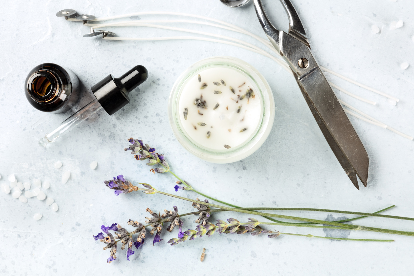 Candle making with lavender essential oils