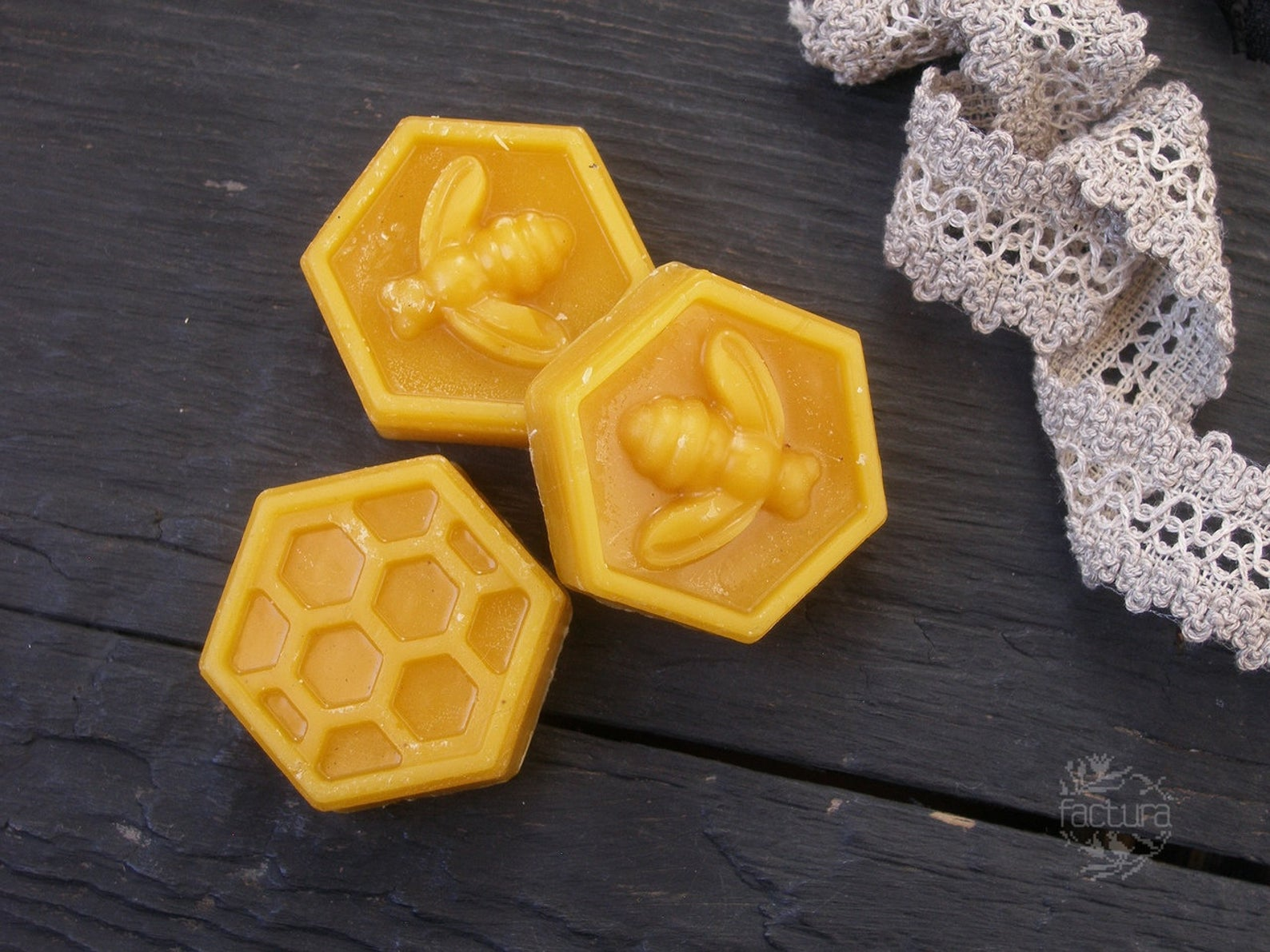 Embroidery beeswax