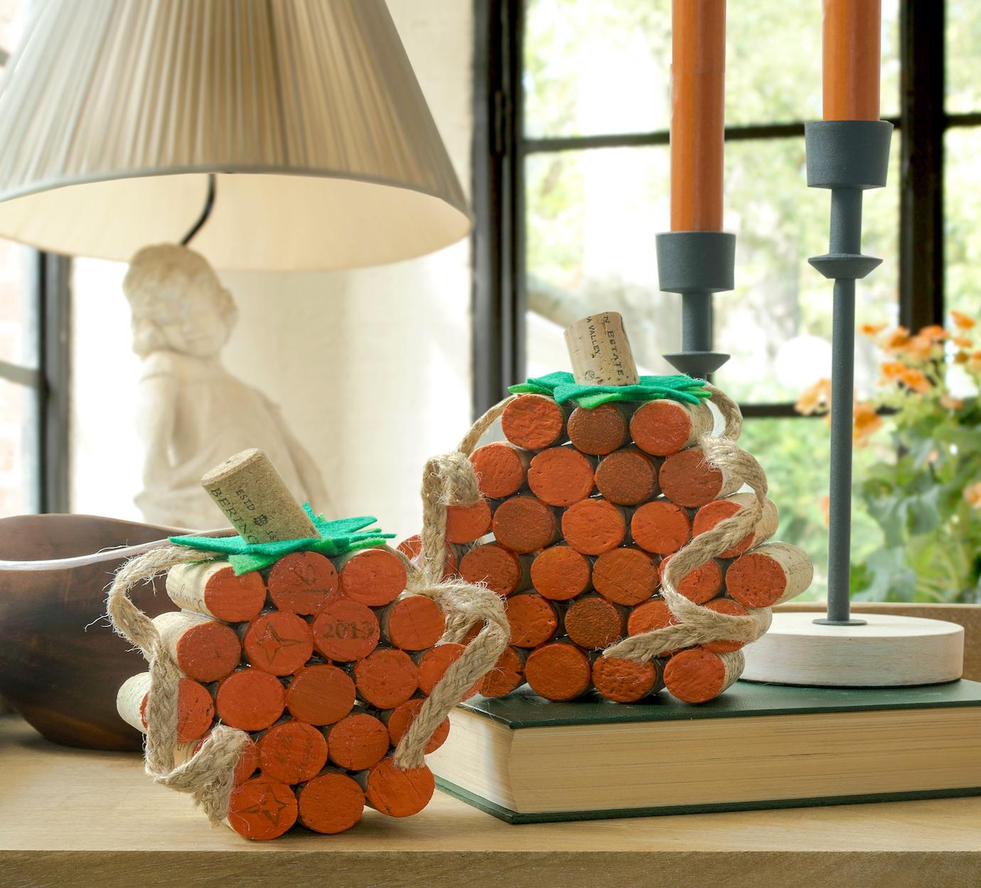 DIY-wine-cork-pumpkins