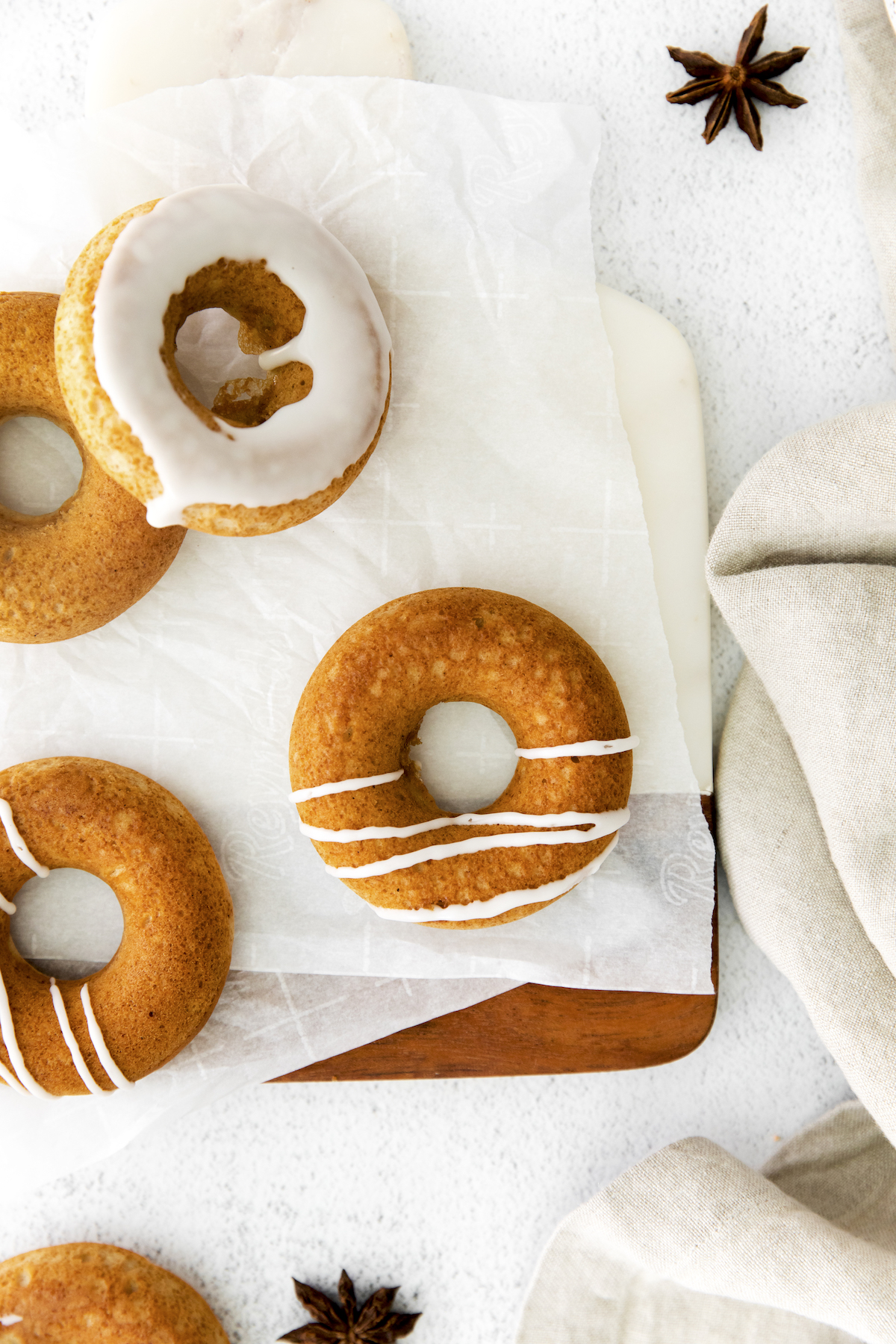 Easy-maple-chai-baked-donuts