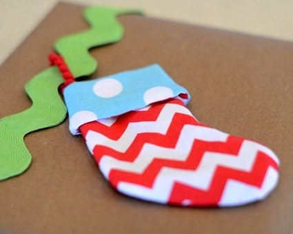 If you feel giving gift cards is impersonal - add your personal touch with one of these 12 DIY Christmas gift card holders that the recipient will love!